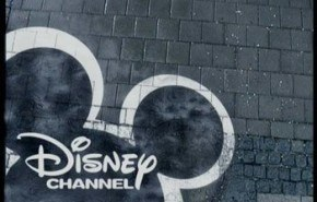 Disney channel transmite por error una porno